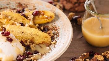 Пържени банани с карамелен сос
