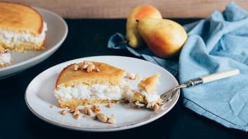 Бадемов кейк с рикота и круши
