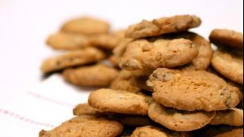 Бисквити с шоколад и фъстъчено масло